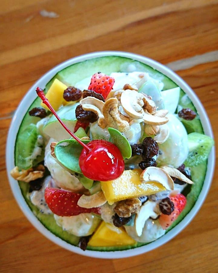 Zdrowy posiłek mieszanymi owoc fotografia stock