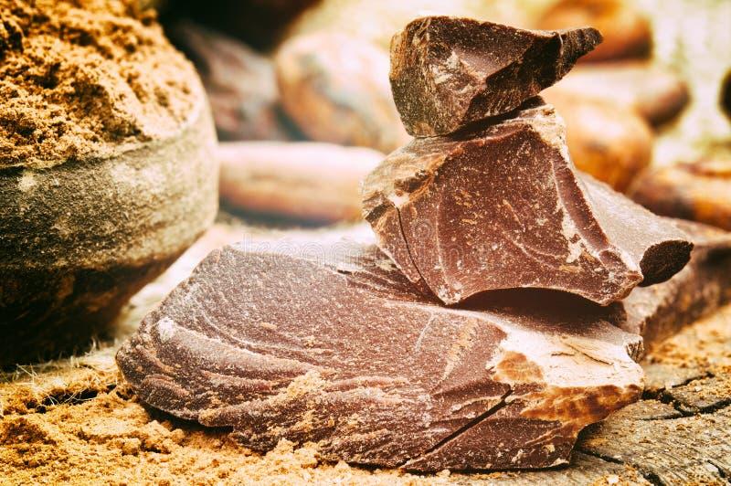 zdruzgotany czekolada zmrok zdjęcia stock