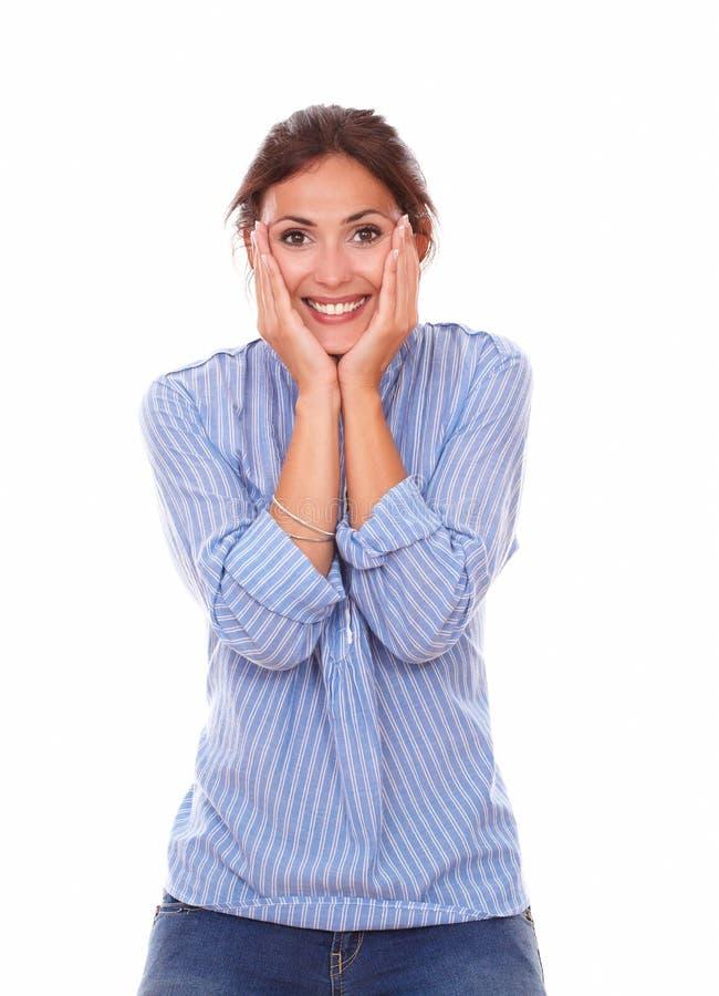 Zdziwiona dorosła kobieta z śmieszną twarzą zdjęcia stock