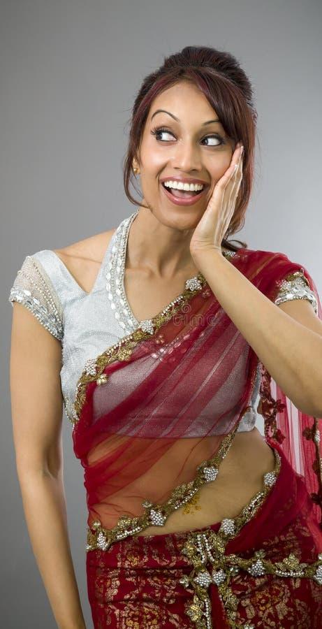 Download Zdziwiona Indiańska Kobieta Patrzeje Szczęśliwy Obraz Stock - Obraz złożonej z kultura, facial: 41952089