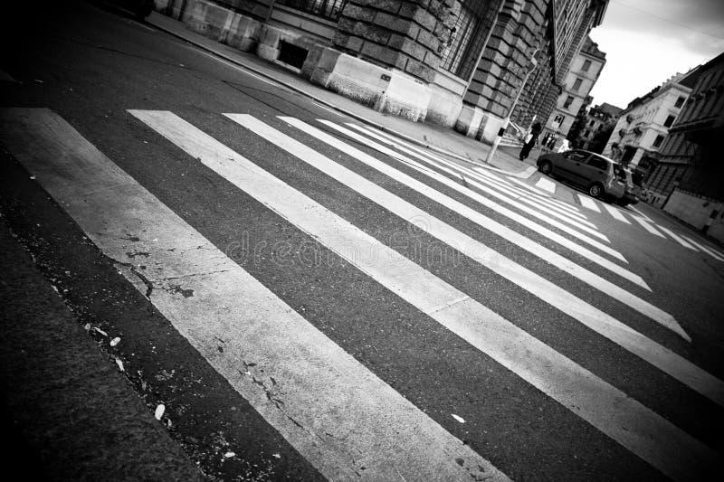 Zebrapad in een stad royalty-vrije stock fotografie