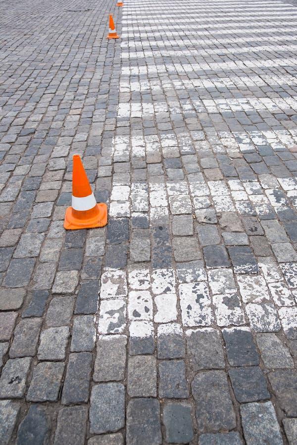 Download Zebrapad Op Weg Voor Kruis De Straat Stock Afbeelding - Afbeelding bestaande uit mening, walking: 107704607