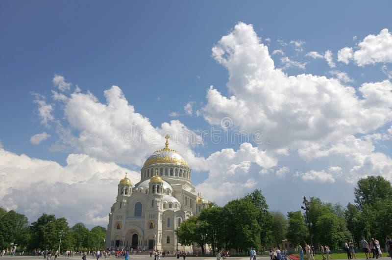 Zee kathedraal in Kronshtadt royalty-vrije stock afbeeldingen