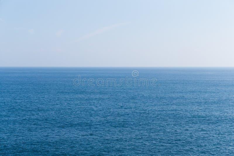Zeegezicht en horizon stock foto's