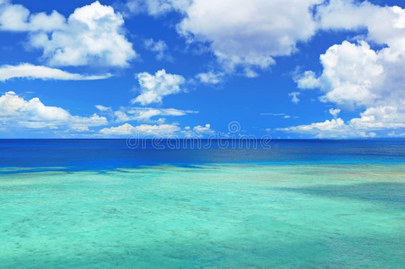 Zeegezicht in Okinawa Japan royalty-vrije stock afbeeldingen