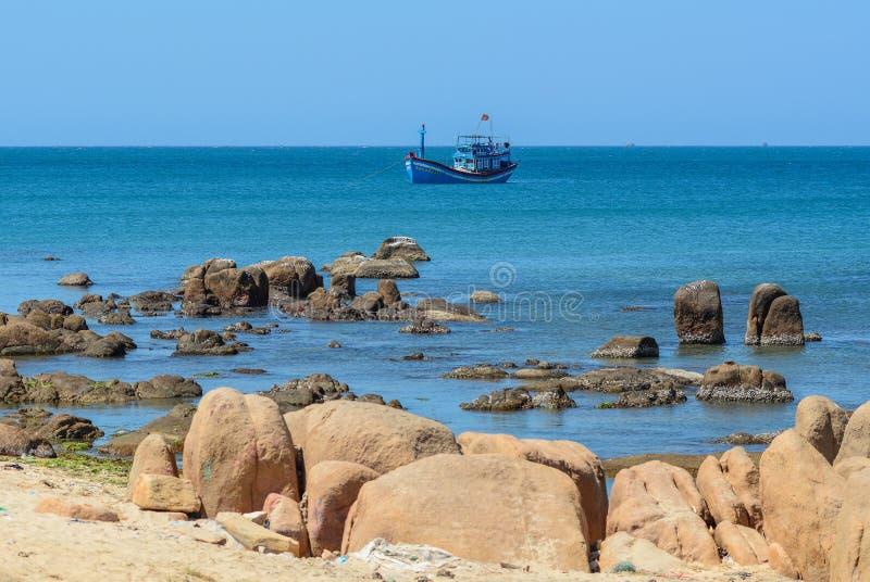 Zeegezicht van de Baai van Nha Trang, Vietnam stock foto