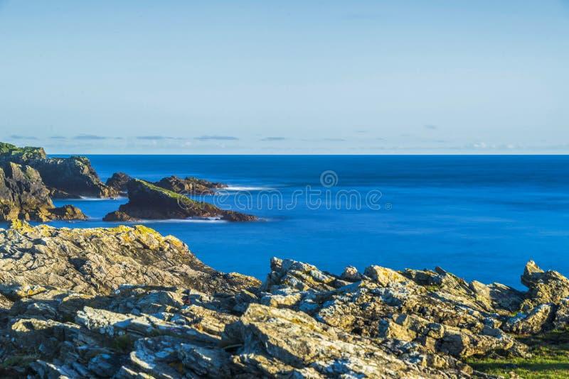 Zeegezichten over het Eiland van Lewis-kusten, Schotland stock afbeeldingen