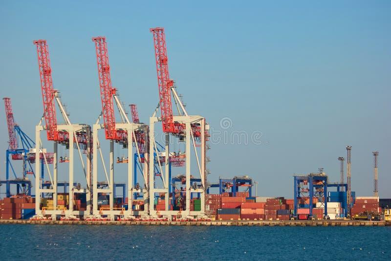 Zeehavencontainers stock foto's