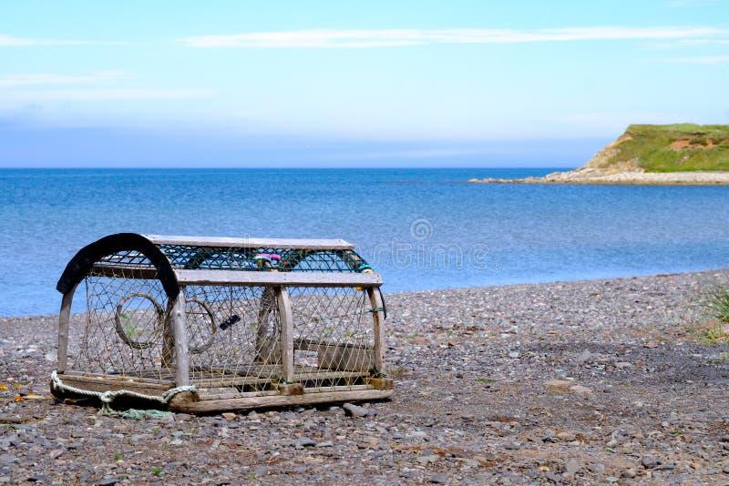 Zeekreeftpot op de kusten van Les îles DE La Madeleine royalty-vrije stock foto's