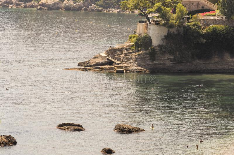 Zeekust van Roquebrune GLB Martin in een de zomerdag royalty-vrije stock fotografie