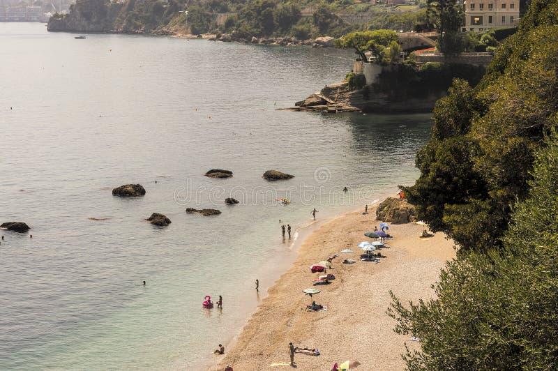 Zeekust van Roquebrune GLB Martin in een de zomerdag royalty-vrije stock afbeeldingen