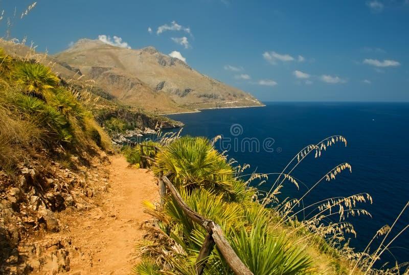 Zeekust in Zingaro van parklo in Sicilië, Italië stock fotografie