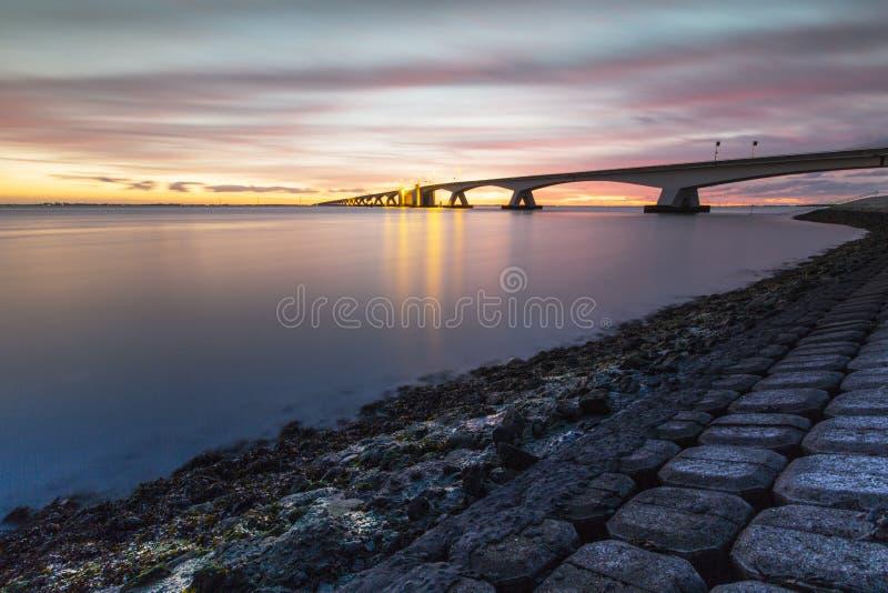 Zeelandbrug a rencontré la longue exposition, pont de Zélande avec la longue exposition photographie stock