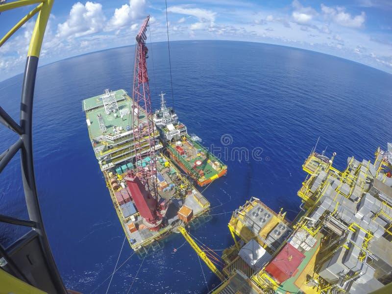 Zeeolie en Gas de industrielevensstijl stock foto