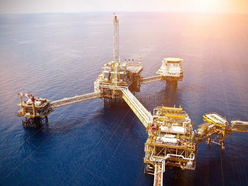 Zeeolieraffinaderij royalty-vrije stock afbeelding