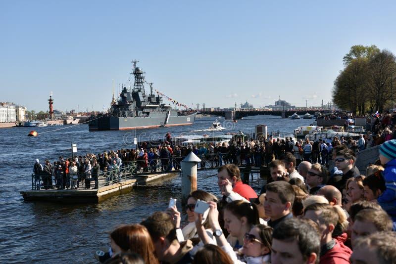 Zeeparade gewijd aan Victory Day in St. Petersburg, Rusland stock foto