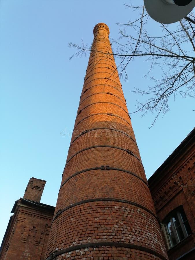 zeer hoge baksteentoren royalty-vrije stock foto's