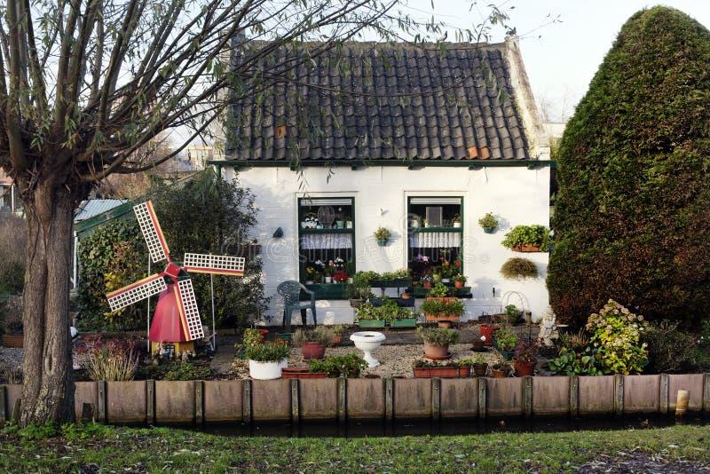 Zeer klein Nederlands huis royalty-vrije stock foto