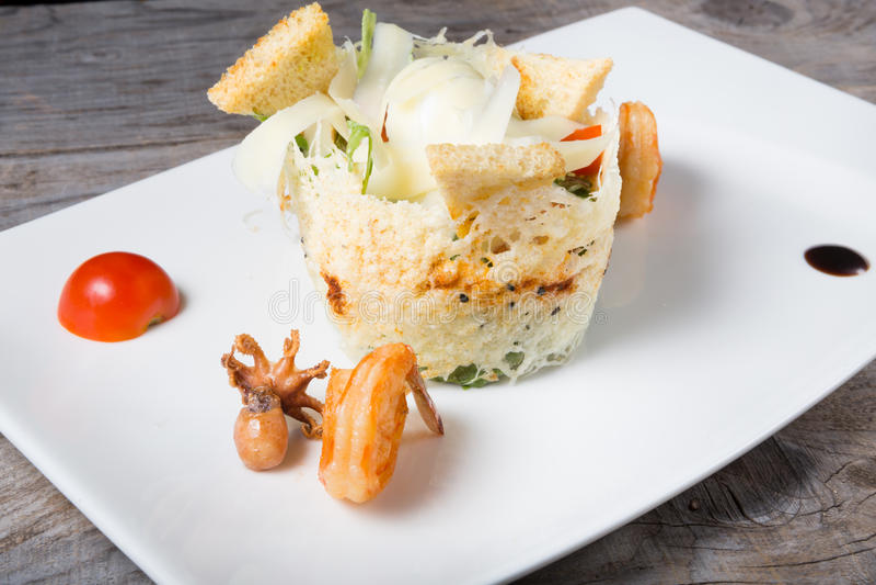Zeevruchten cesar salade royalty-vrije stock afbeelding