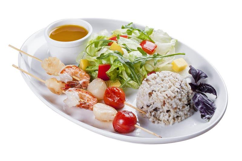 Zeevruchten met rijst en groenten royalty-vrije stock fotografie