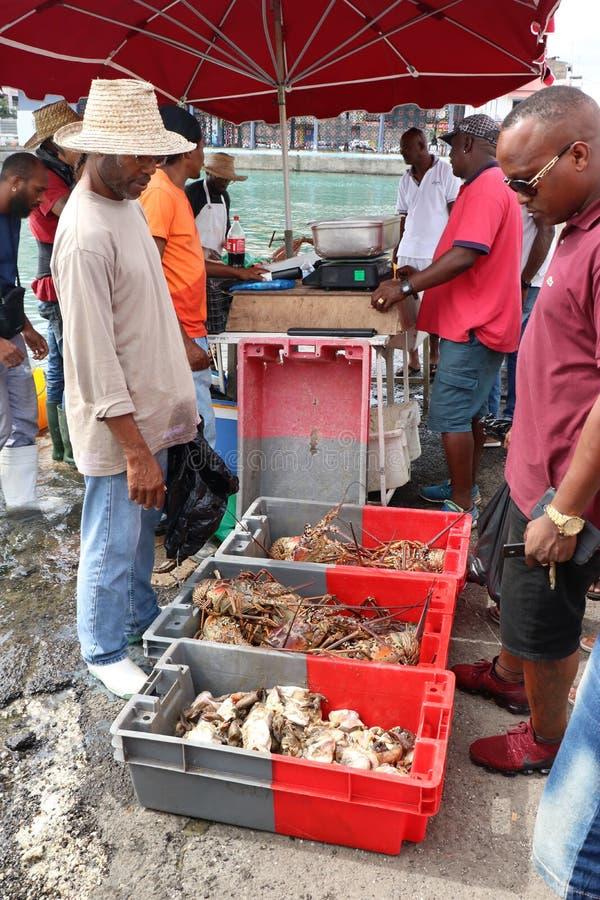 Zeevruchtenmarkt in Guadeloupe stock afbeeldingen