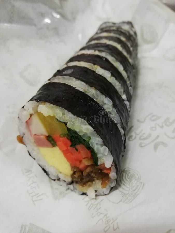 Zeewier verpakte rijst stock afbeelding