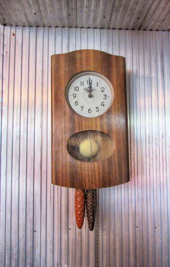 zegar antique do ?ciany zdjęcia stock