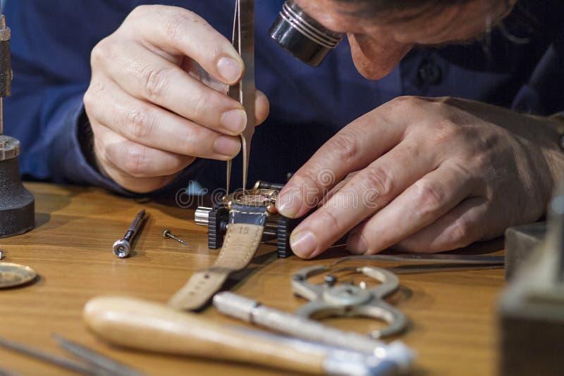 Zegarek naprawa zdjęcie stock