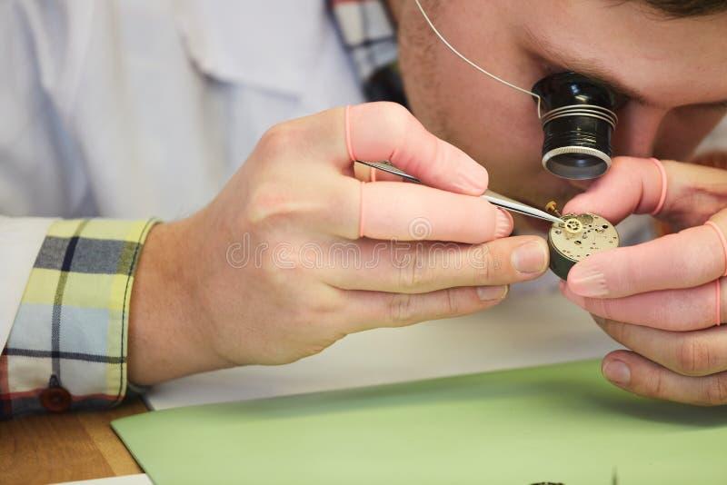 Zegarka naprawianie obrazy stock