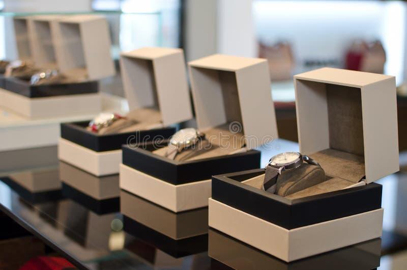 Zegarki w sklepie zdjęcie stock