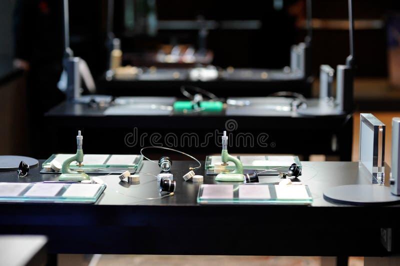 Zegarmistrza stół zdjęcia royalty free