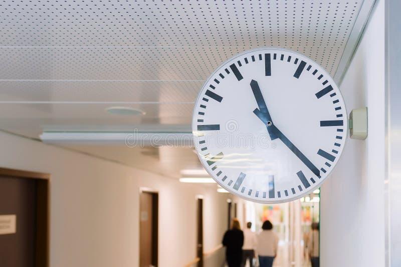 zegarowa dekoraci domu ściana Wielki round zegar zdjęcia stock