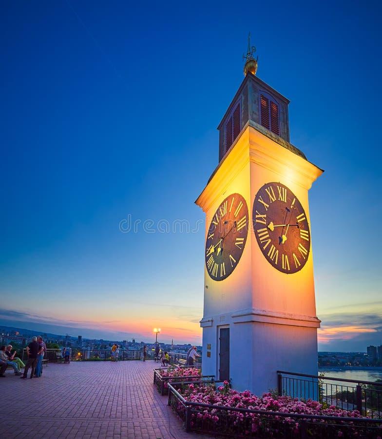 Zegarowy wierza na Petrovaradin fortecy, Novi Sad, Serbia przy zmierzchem zdjęcie royalty free