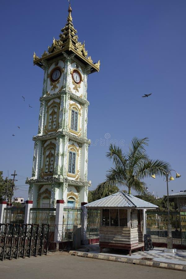 Zegarowy wierza przy Mahamuni pagodą, Mandalay, Myanmar, (Birma) zdjęcie stock