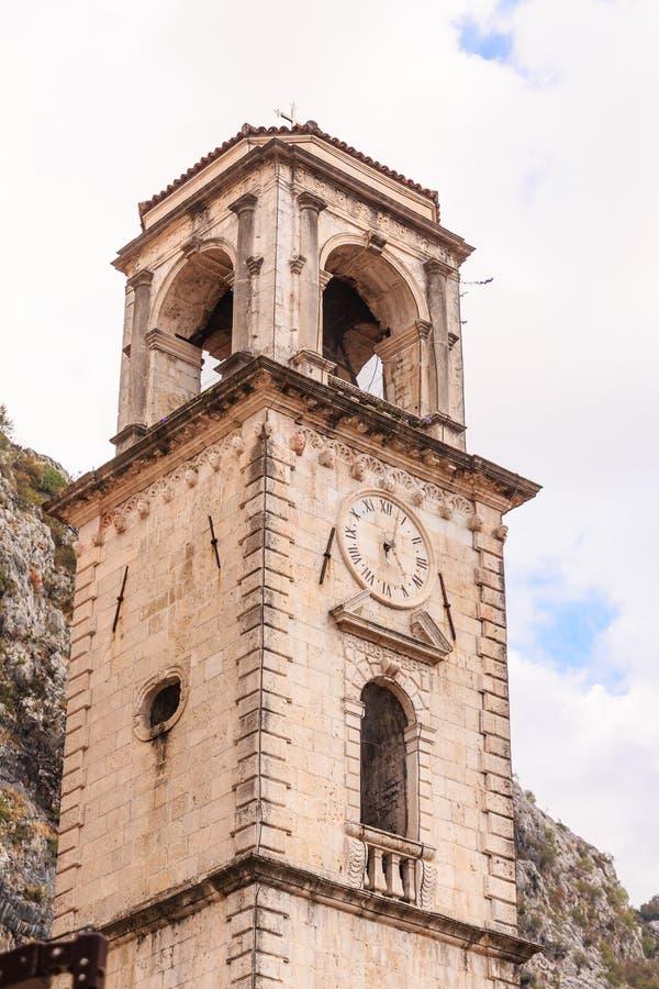 Zegarowy wierza z Dzwonami na wierza obraz stock