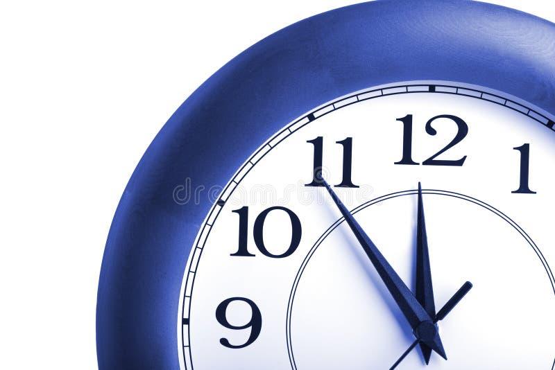 zegaru czas odosobniony pokazywać dwanaście zdjęcia royalty free