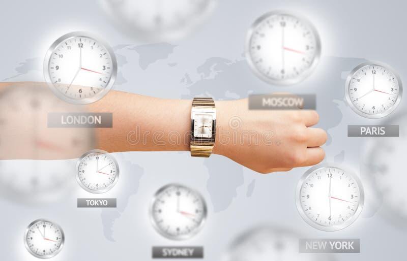 Zegary i strefy czasowe nad światowym pojęciem zdjęcia royalty free