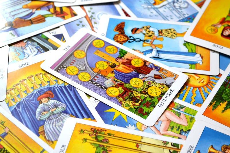 Zehn dauerhafter Familie Erfolg des Pentacles-Tarock-Karten-alten Geldes stock abbildung