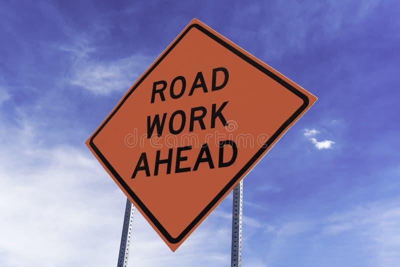 Zeichen der Straßen-Arbeit voran stockfoto