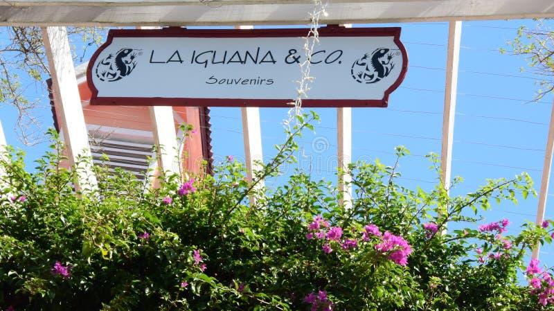 Zeichen des Shops in Casta Maya Mexiko Town Center lizenzfreie stockfotografie