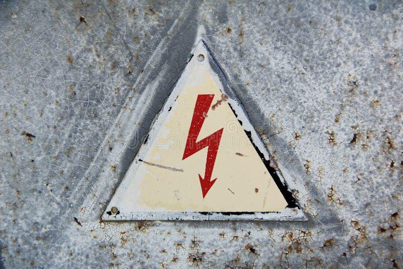 Zeichen-e-hoh Spannung stockbild. Bild von zeichen, warning - 92407821
