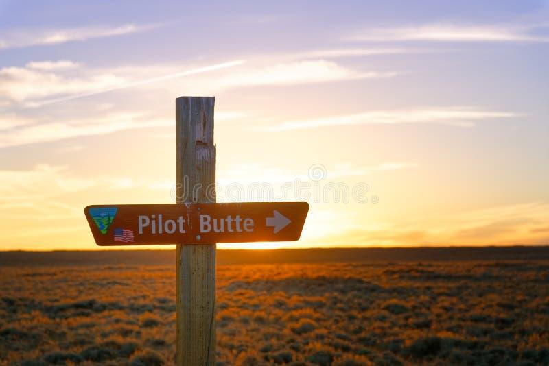 Zeichen-Pilot Butte entlang der wildes Pferdeszenischen Schleife lizenzfreie stockfotos