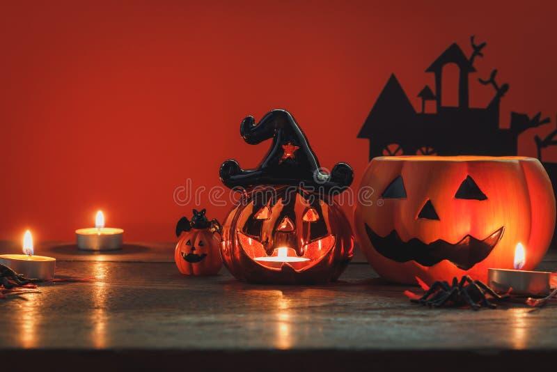 Zeichen und Dekoration des glücklichen Halloween-Festivalkonzeptes lizenzfreie stockfotos