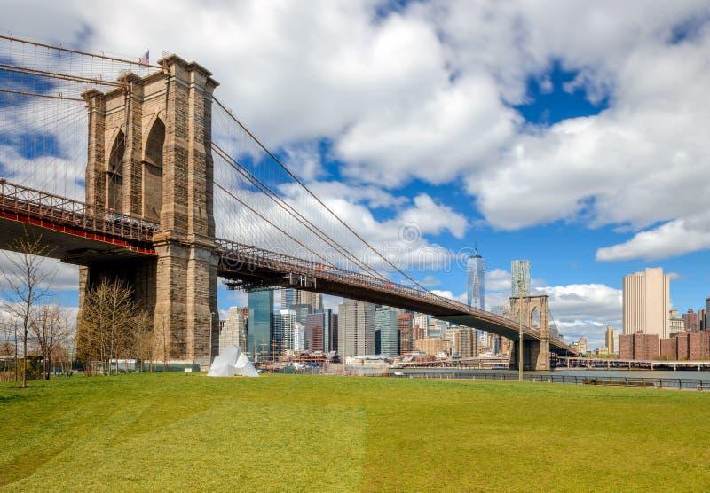 Zeichen, Ziegelsteine, nahe der Brooklyn-Brücke stockfotografie