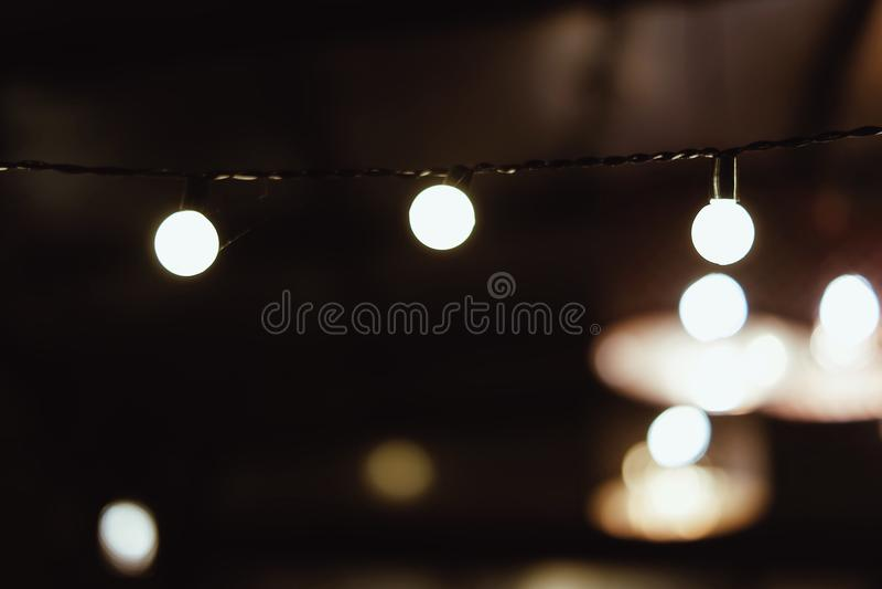 Zeichenkette der Leuchten lizenzfreie stockfotos