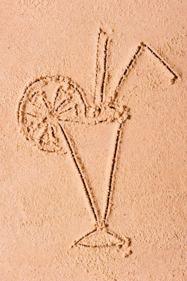 Zeichnen in das Sandglascocktail stockfotos