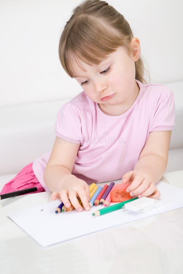 Zeichnung des jungen Mädchens stockbild