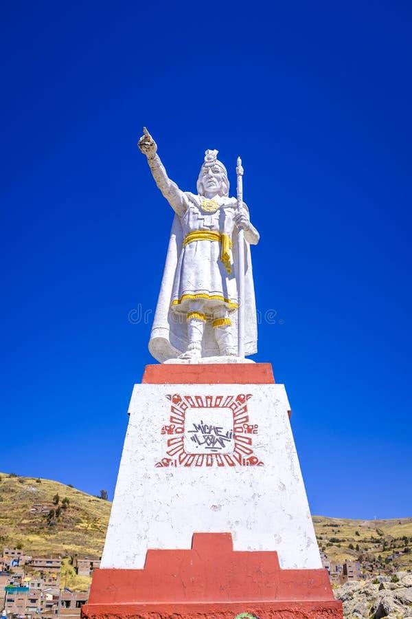 Zeigen der Inkastatue in Puno stockbilder