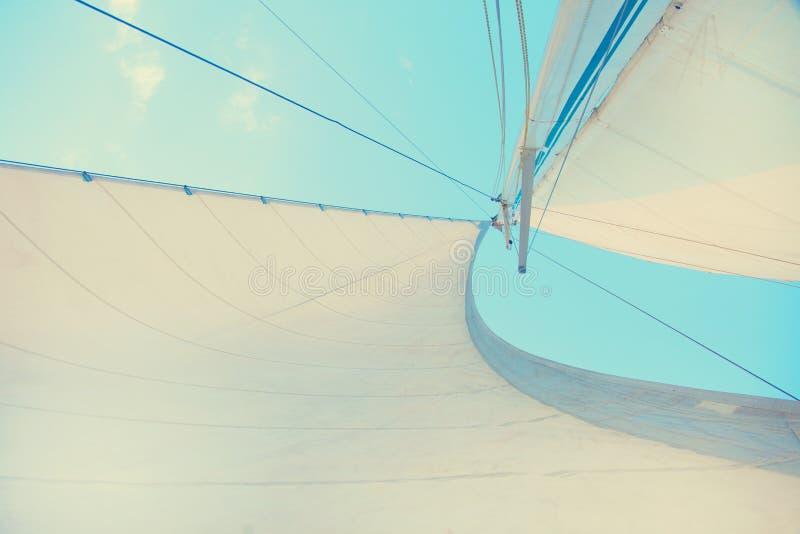 Zeil van een boot stock afbeeldingen