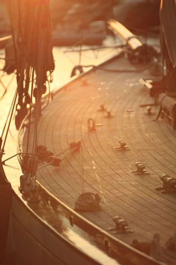 Zeilboot in de Golf van Saint Tropez stock foto's